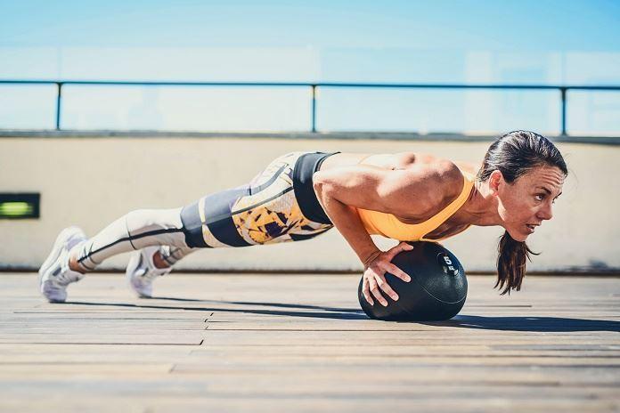Cómo hacer la flexión de brazos perfecta